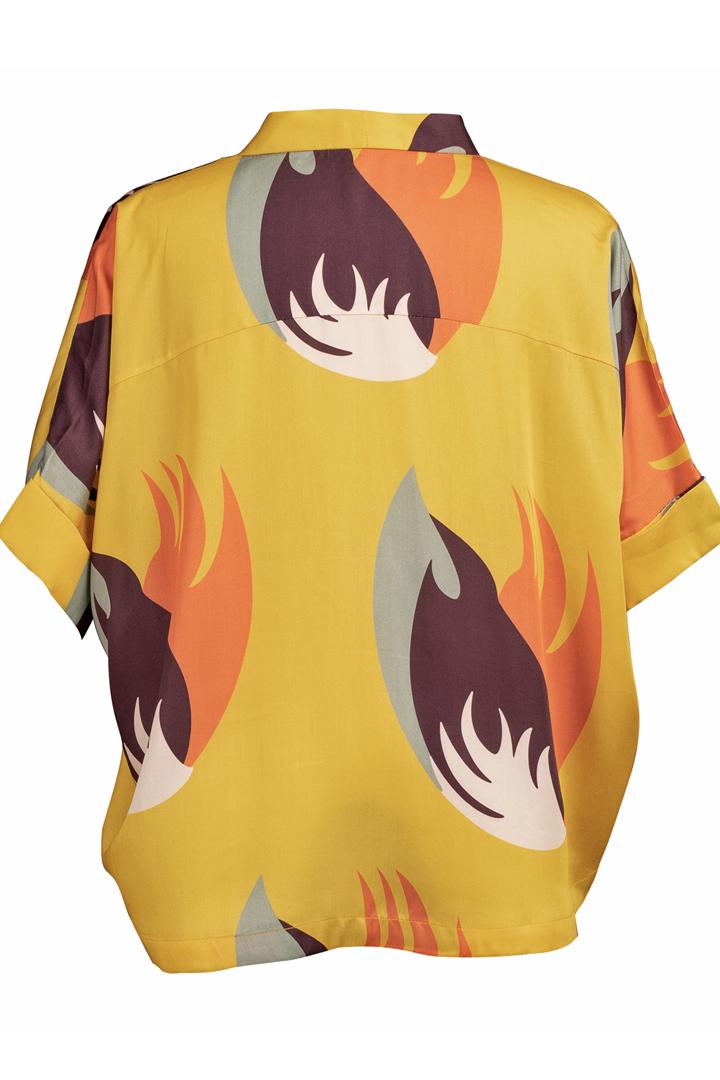 Découvrez notre chemise pour femme Chiang Mai jaune, l'incontournable de votre dressing